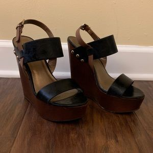 Black and brown strappy wedges